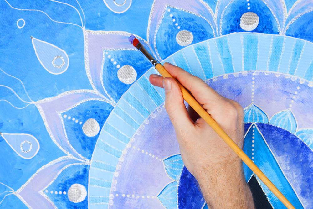 La moda de pintar las paredes con mandalas